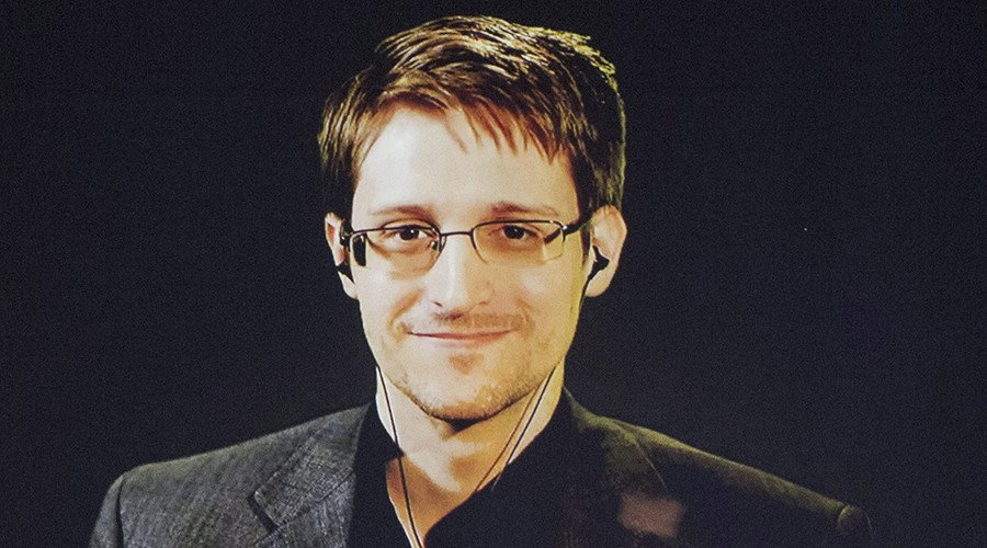Edward Snowden Believes Aliens Want To Connect With Us
