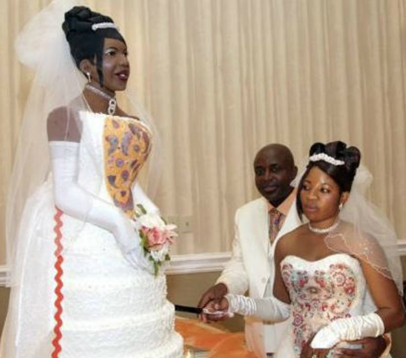 10 Hilarious Wedding Cake Fails