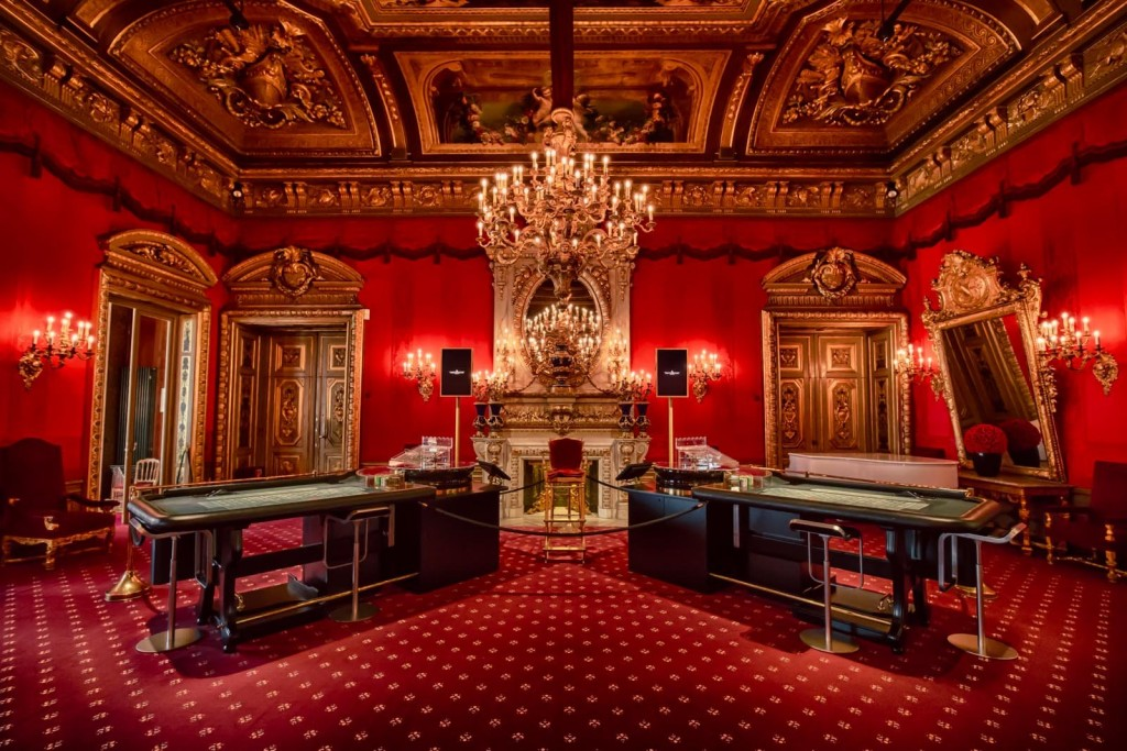 10 Of The World's Largest And Most Luxurious Casinos