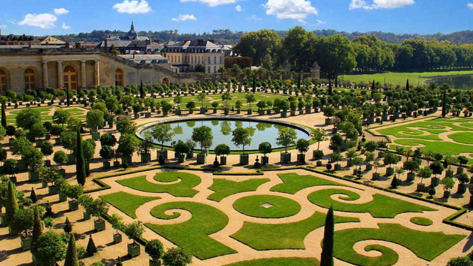 20 Exquisite Gardens From Around The World That Will Take Your Breath Away