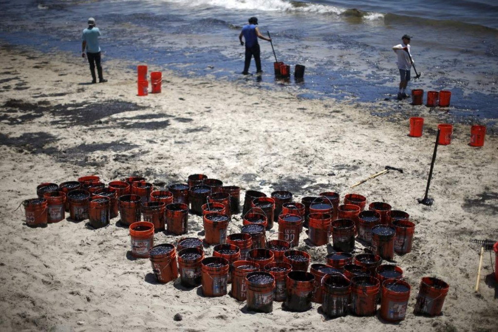 California Governor Issues State Of Emergency After Santa Barbara Oil Spill