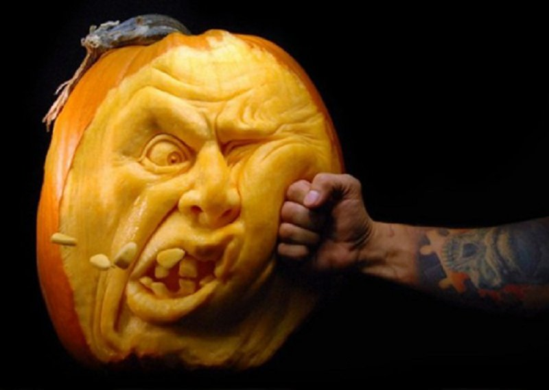 10 Awesome And Weird Pumpkin Carvings