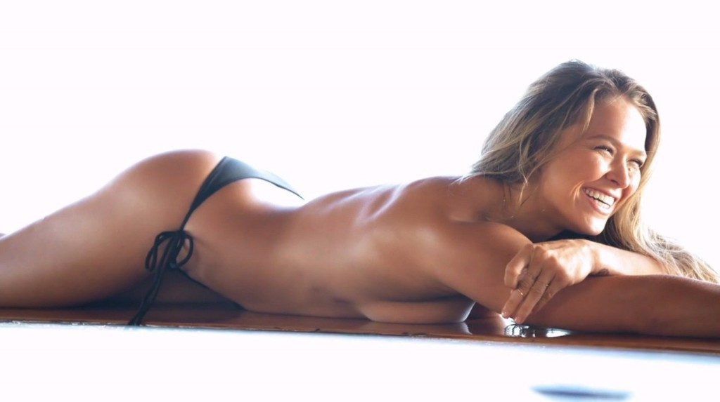10 Of The Sexiest Female MMA Fighters In 2015