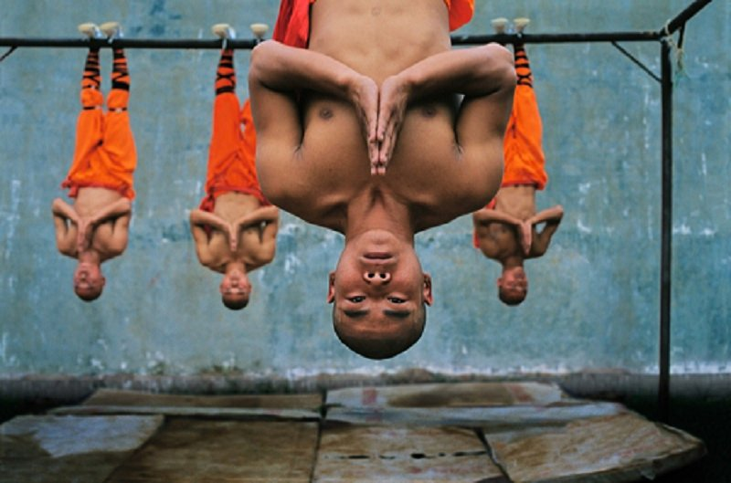 10 Unbelievable Pictures That Showcase The Abilities Of Shaolin Monks