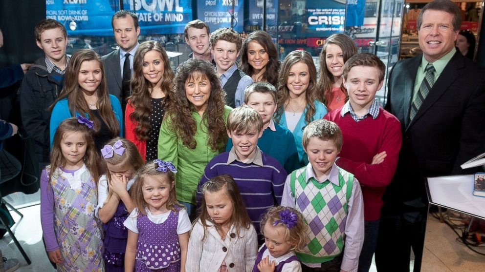 19 Kids And Counting Canceled Following Josh Duggar Scandal