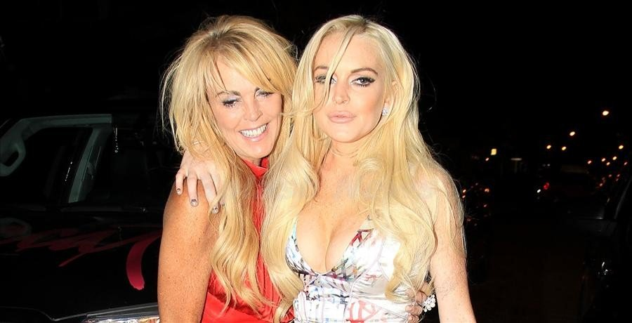 Lindsay Lohan Freaks Out At Her Mum For Coming To England