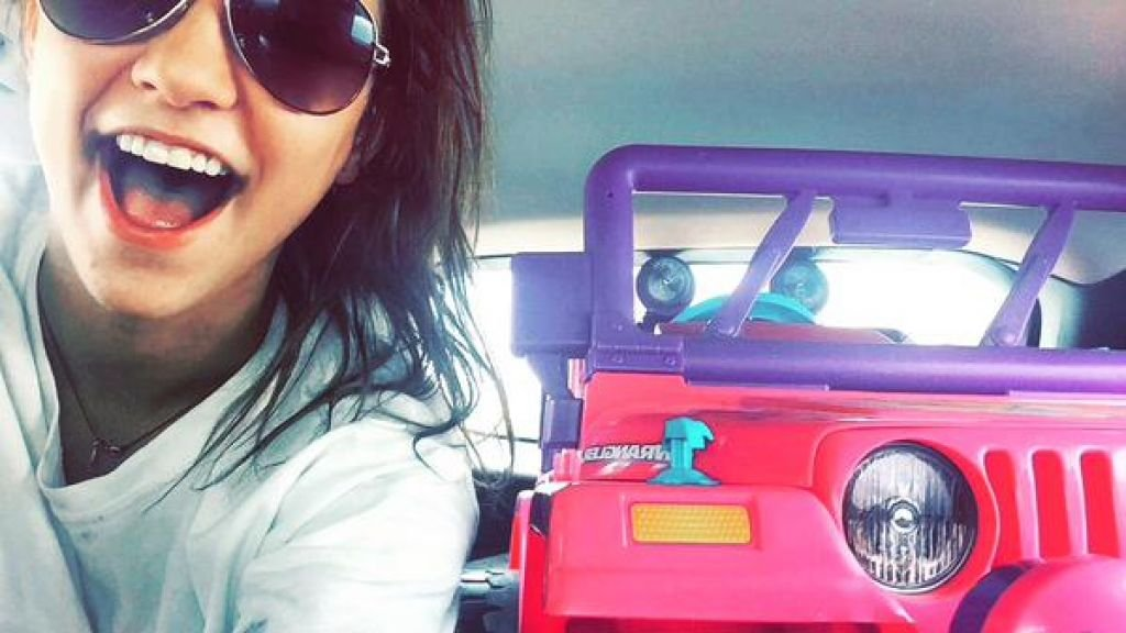Texas Student Cruises Around In Toy Jeep After Losing License