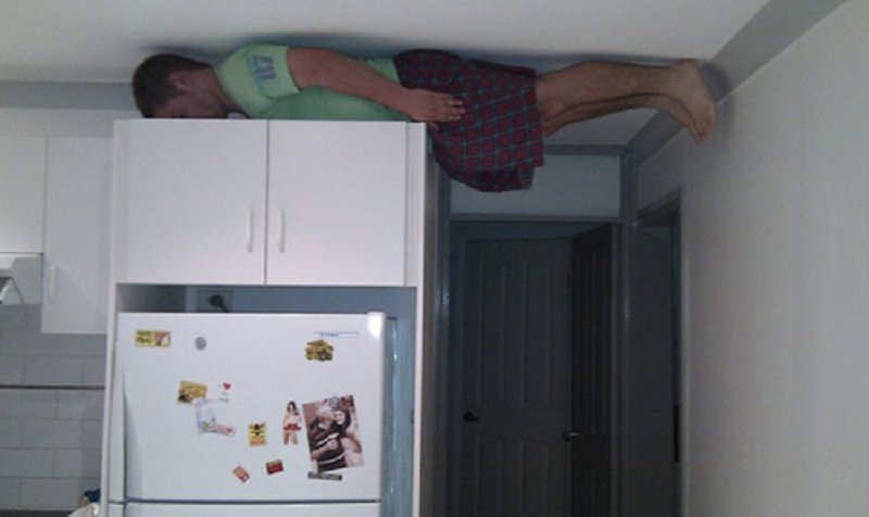 10 Hilarious Examples Of Extreme Planking