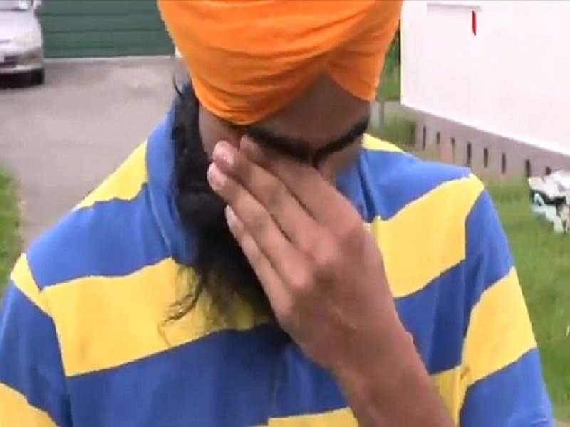 Sikh Man Rewarded After Removing Turban To Help 6 Year Old Child